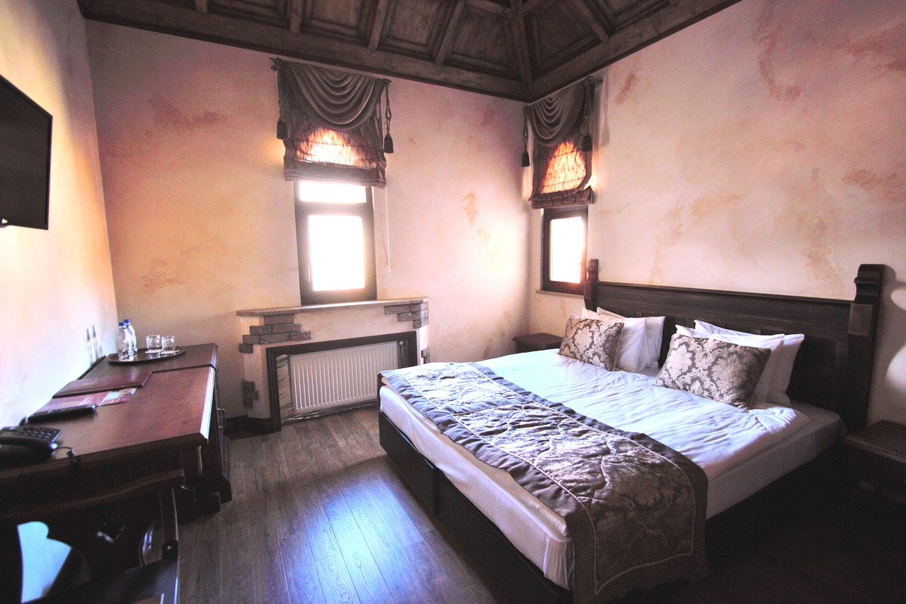 room_image