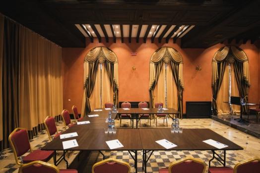 Малый конференц зал в Судаке